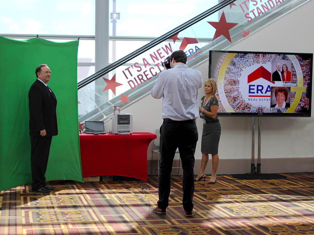 ERA Realty at LA Live - Real-time Interactive Photo Mosaic